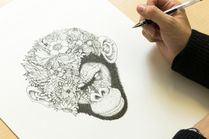 「製作期間はおよそ3〜4日程度。一度ペンを取ると何時間も描き続けます」(三浦)