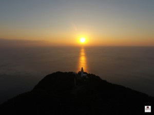 鶴御崎灯台の日の出