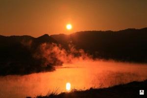 番匠川の川霧
