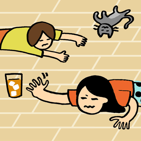 夏ゾンビ 我が家の涼は 床にあり