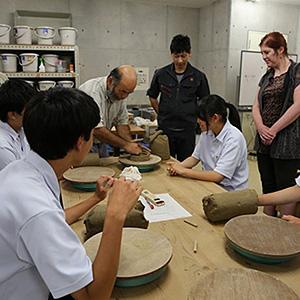 伝統工芸「丹波焼」と特産品「黒大豆」を用いたみそなどの発酵食品の製造とブランド化