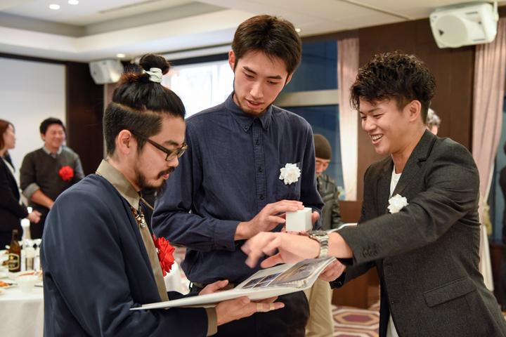 後藤宙(写真左)