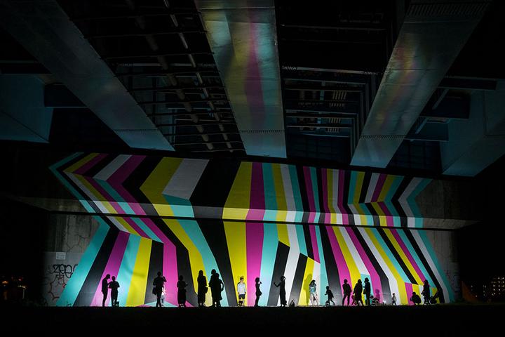 第20回CSデザイン賞 一般部門グランプリ作品。昼間と夜でちがった印象を見せていた(Photo:L/B)