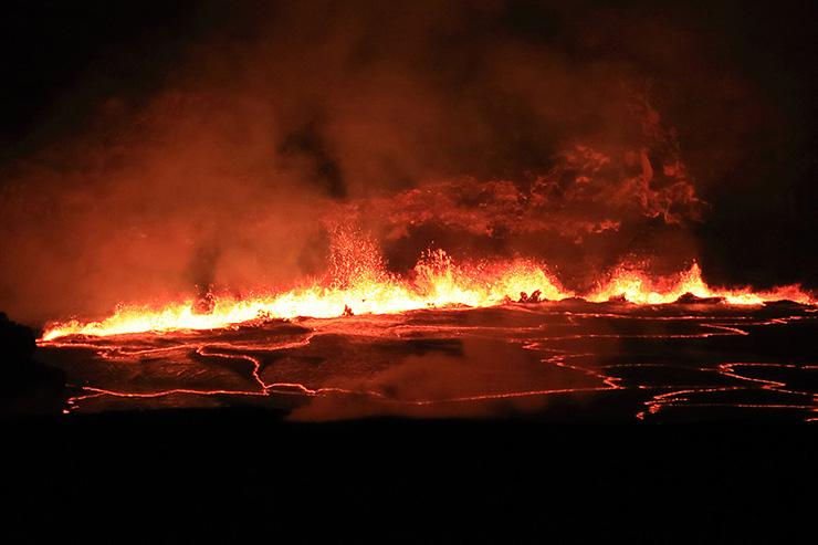 キラウエア火山の溶岩湖