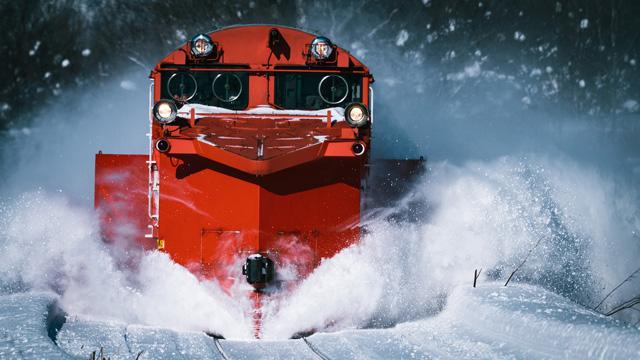 雪路を切り裂く